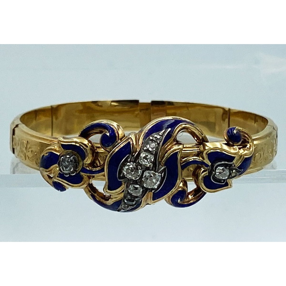 Fabulous! Victorian 18kt Gold Bracelet with Light Engraving, Brilliant Blue Enameling with Rose Cut Diamonds