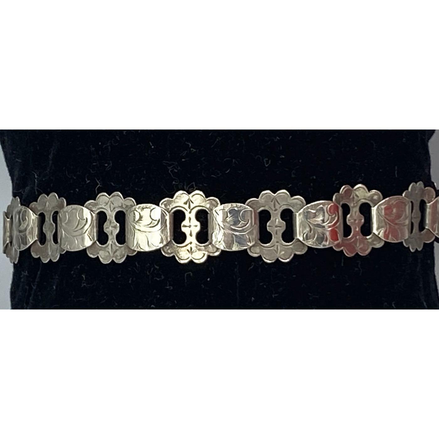 Ruffled Edge, Flat Link, Engraved Antique English Bracelet