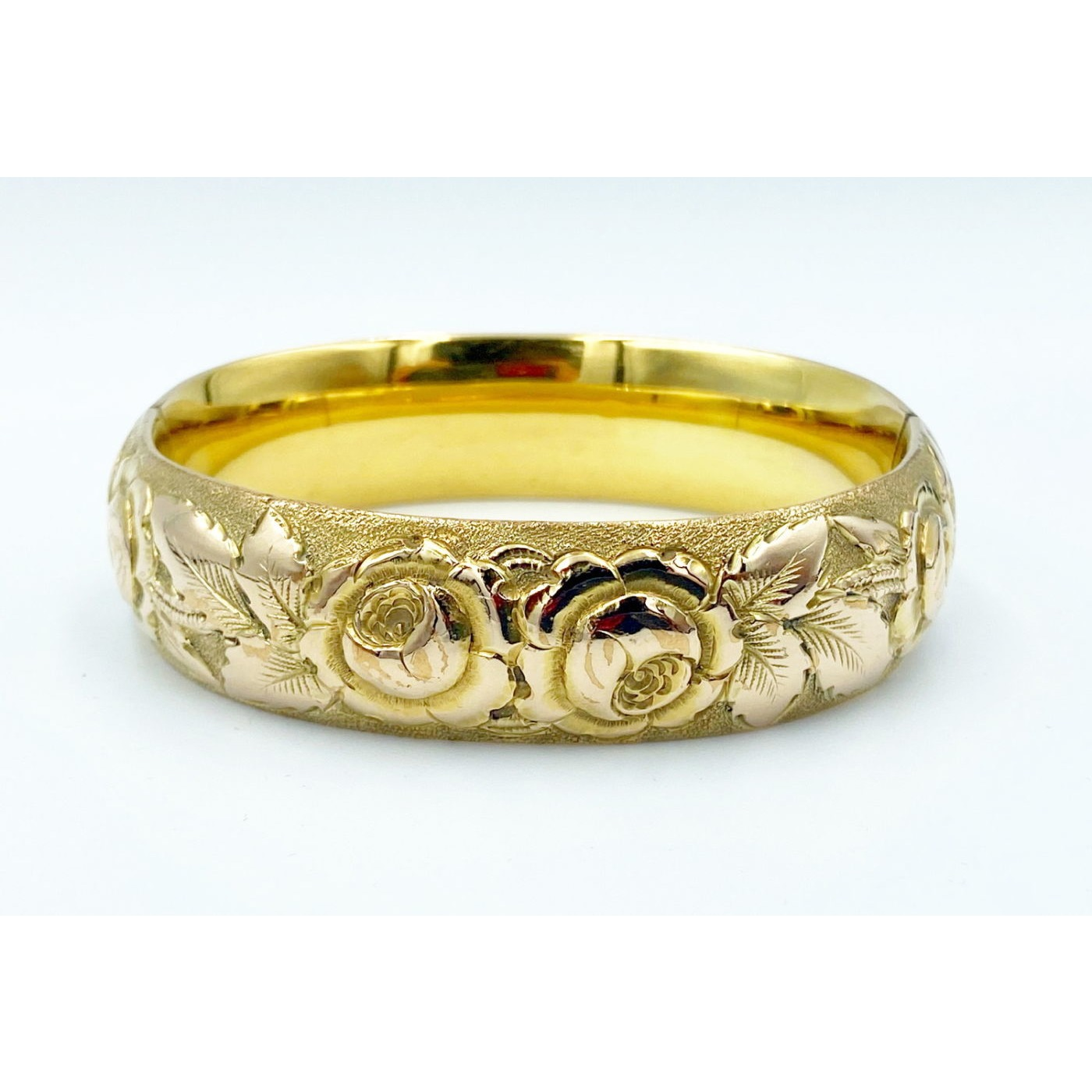 Excellent Deeply Engraved Engagement Bangle w/ Roses