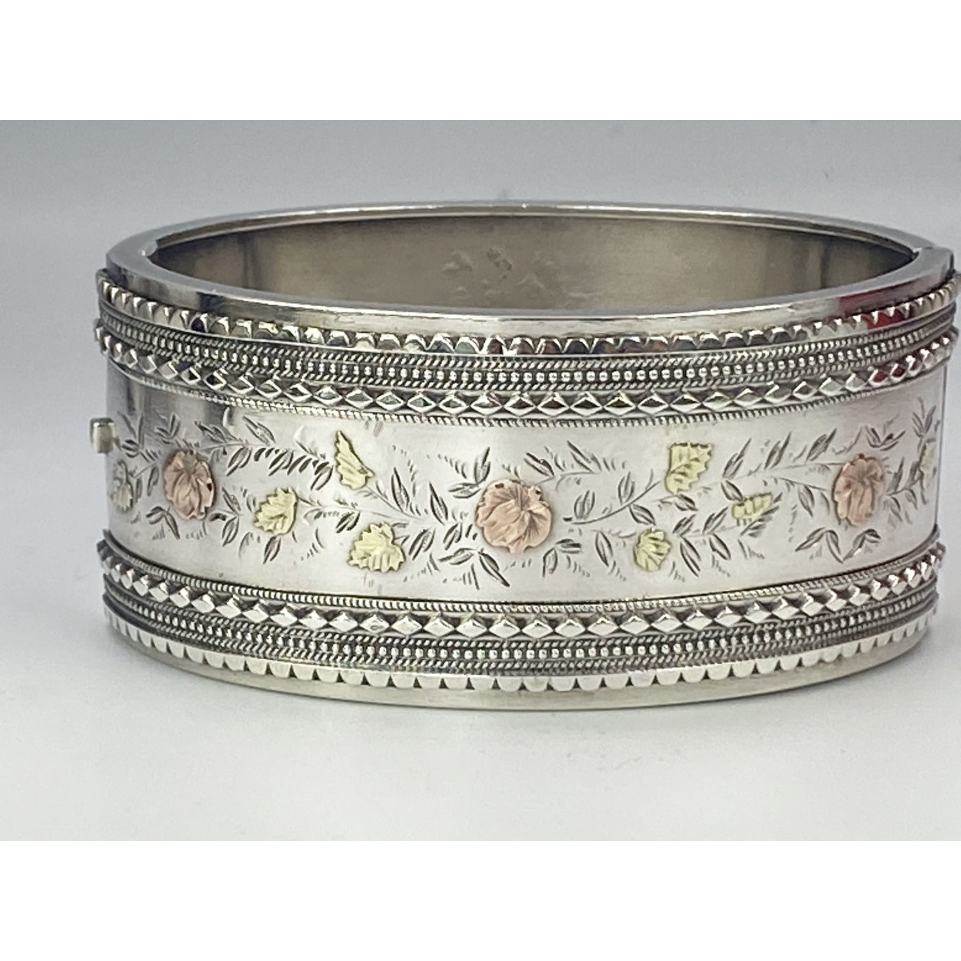 Gallery Wire, Beaded Edge, Rose and Yellow Gold Flowers English Silver Bangle