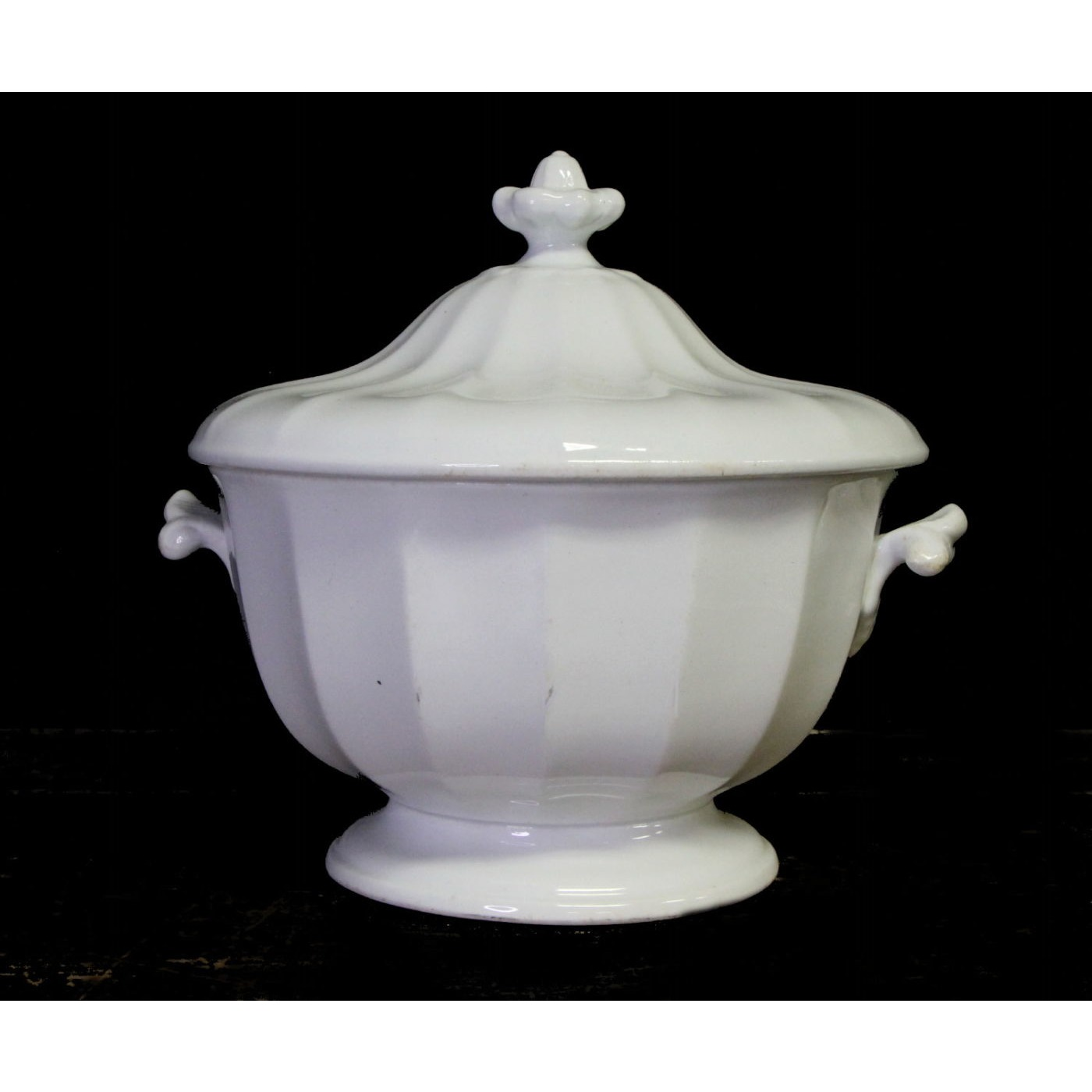 Outstanding Jacob Furnival Paneled Gothic Ironstone Toddy Round Tureen