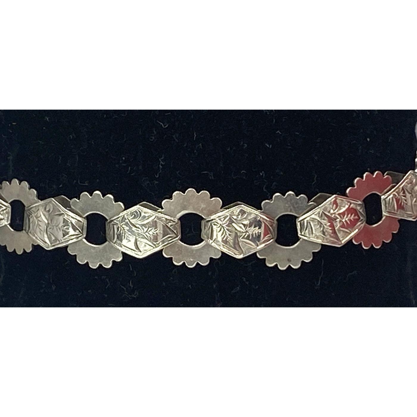 Larger Wrist, Spokes, Ivy Leaves Engraved, Flat Link Antique English Bracelet