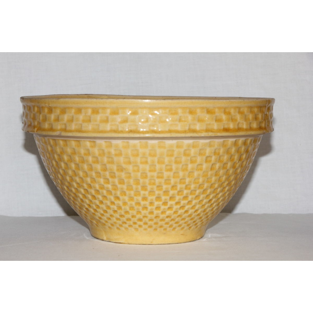 "Mesmerizing 9.25"" Summery Yellow Checkerboard not Green-Glaze Bowl"