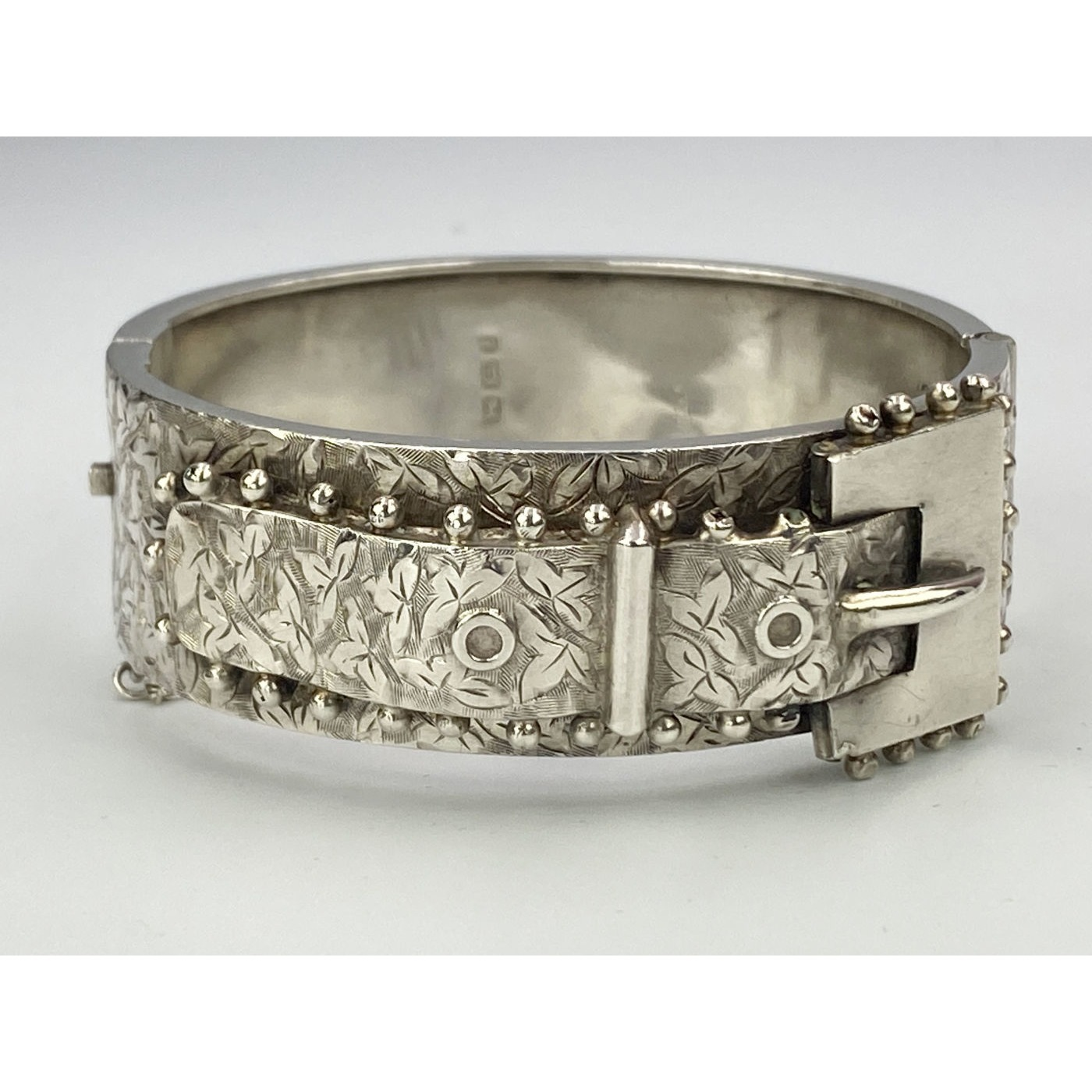 Beautiful Square Buckle and Ivy English Buckle Bangle