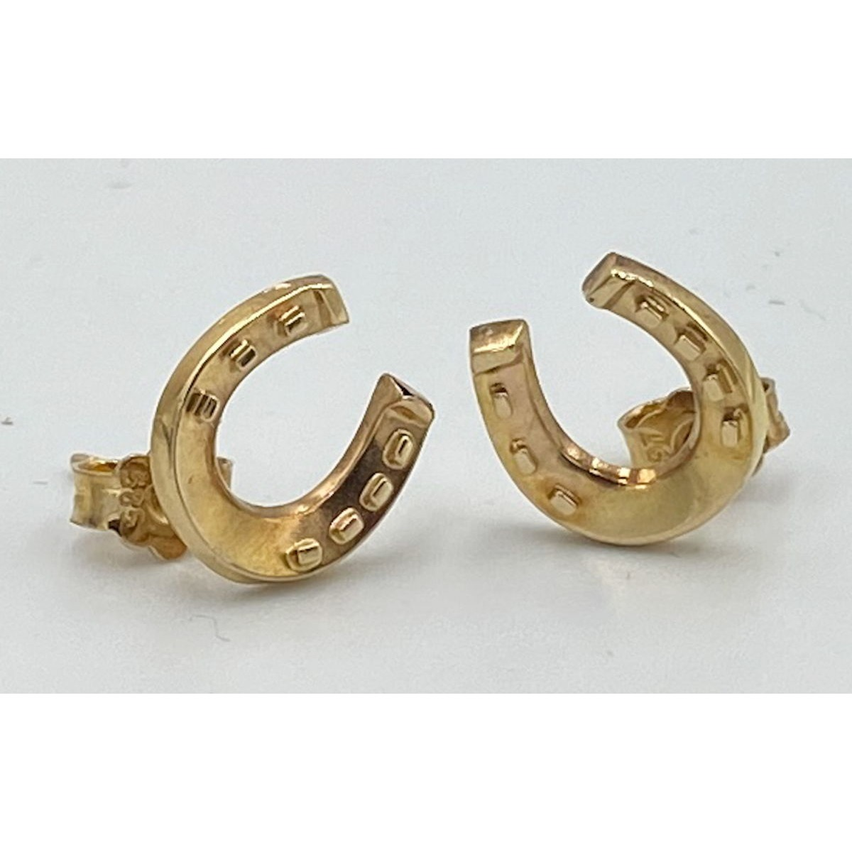 Super Sweet 15kt Gold Horseshoe Stud Antique English Victorian Earrings