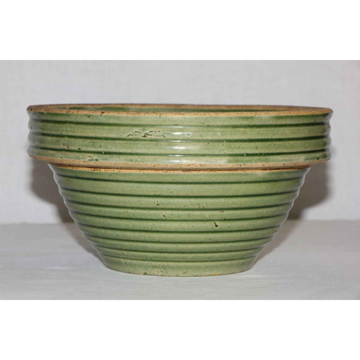 "Wonderful 7"" Medium-Sized Ringware Green Glazed Bowl"