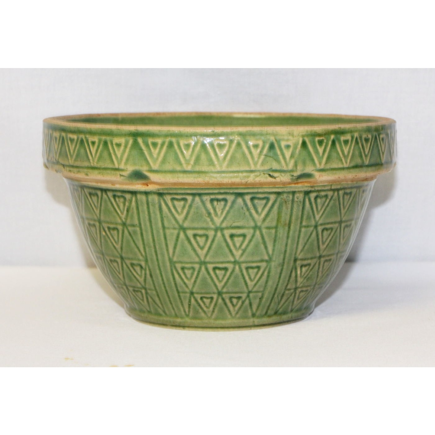 """Outstanding 7"""" """"Hearts and Triangles Green-Glazed Yellow Ware Bowl"""