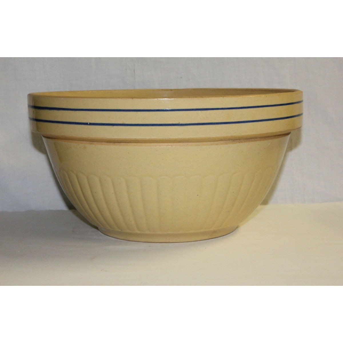 Simply Gorgeous Cobalt Blue Banded Red Wing Large Yellowware Bowl