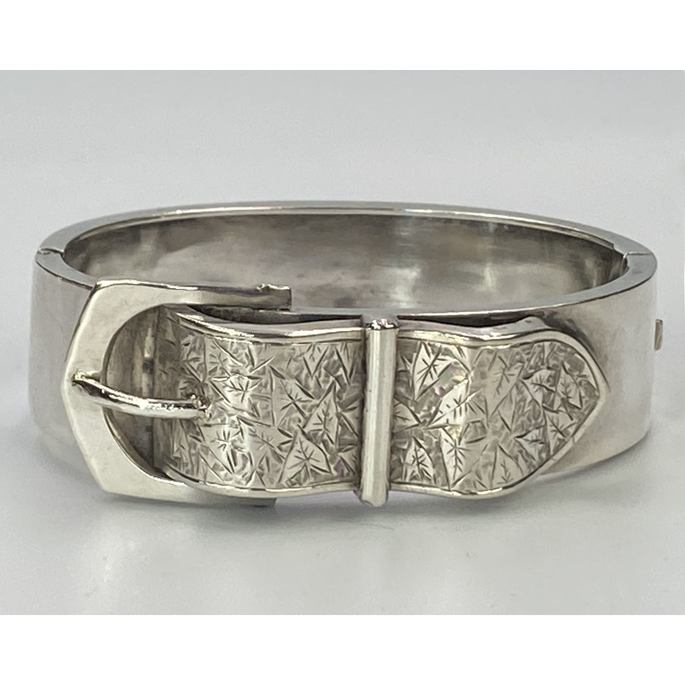 Unusual Curved Belt Buckle Silver English Bangle
