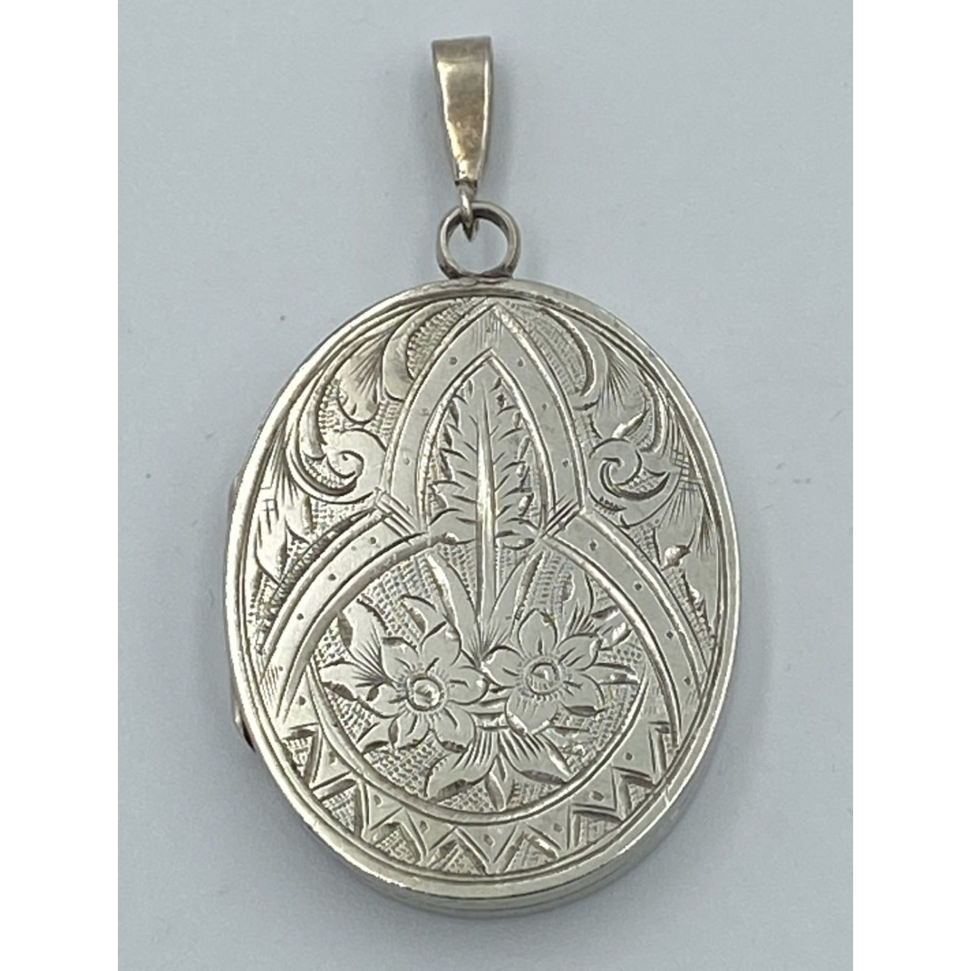 Outstanding Large Flat Floral, Leaf, Swirl Antique Silver English Locket
