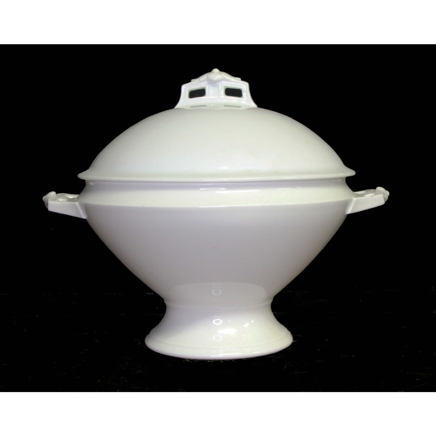 Large Round Plain Simple Toddy Soup Tureen