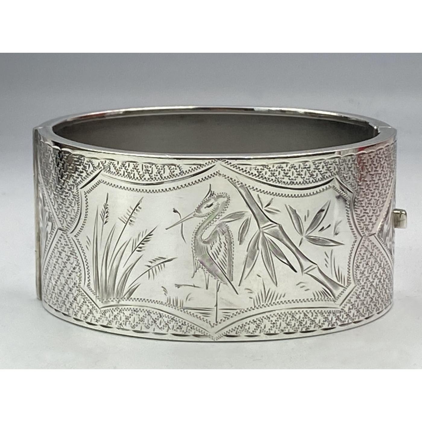 Fabulous WADING BIRD Central Focus Antique English Silver Bangle