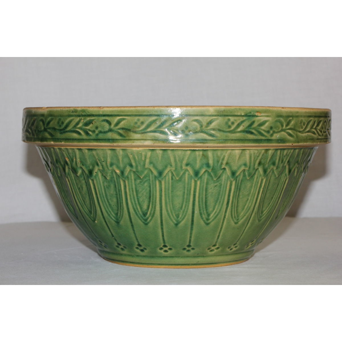 "Gorgeous 10"" Green Glazed Gothic Windows Bowl"