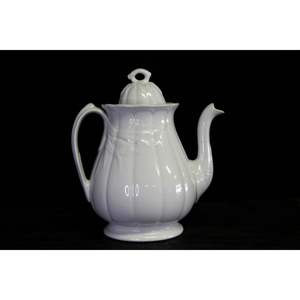 Oversize Ceres Wheat Ironstone Coffeepot Teapot
